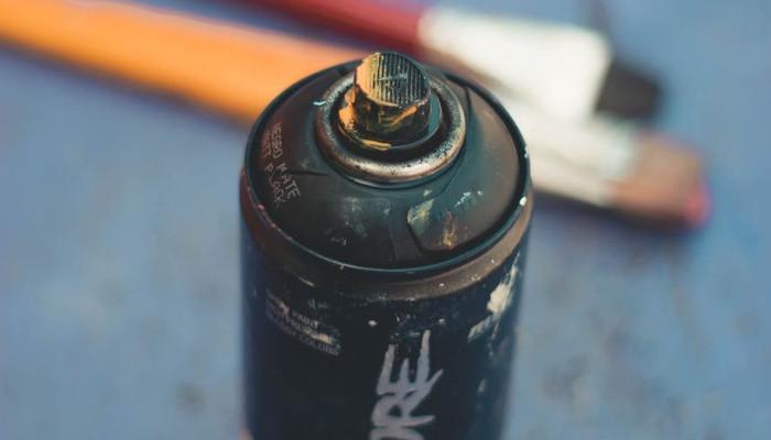 Botes de pintura en spray ignifugas, intumescentes, anticalóricas, antióxido,antigravilla, industrial, electrostática. Aerosoles para decorar interiores y exteriores en fachadas o paredes